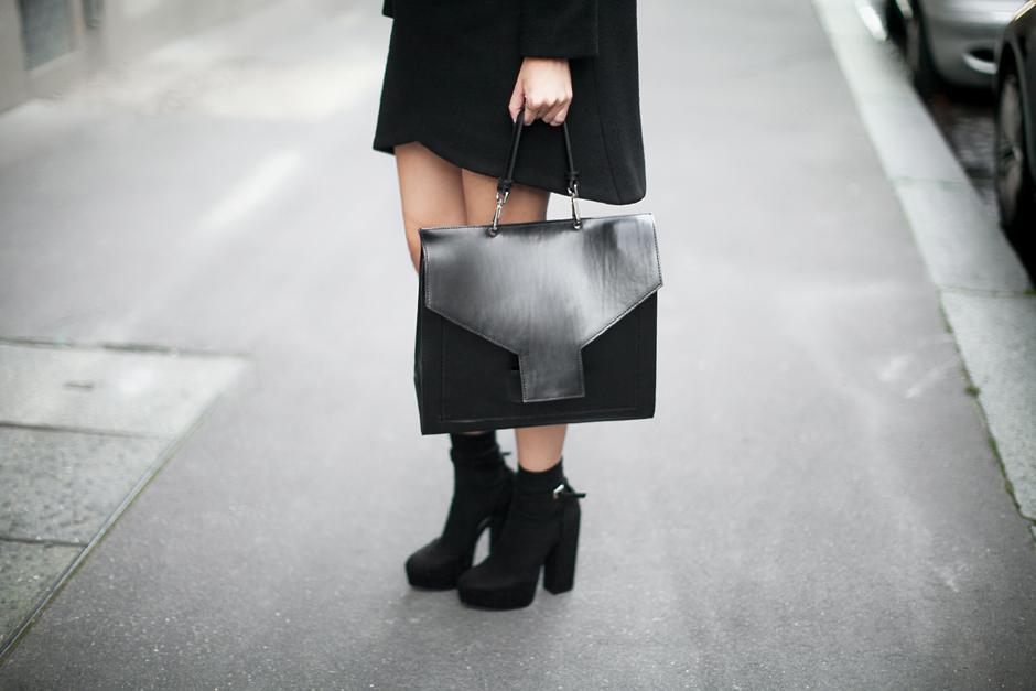 black-suede-platform-sandals-block-heel-outfit