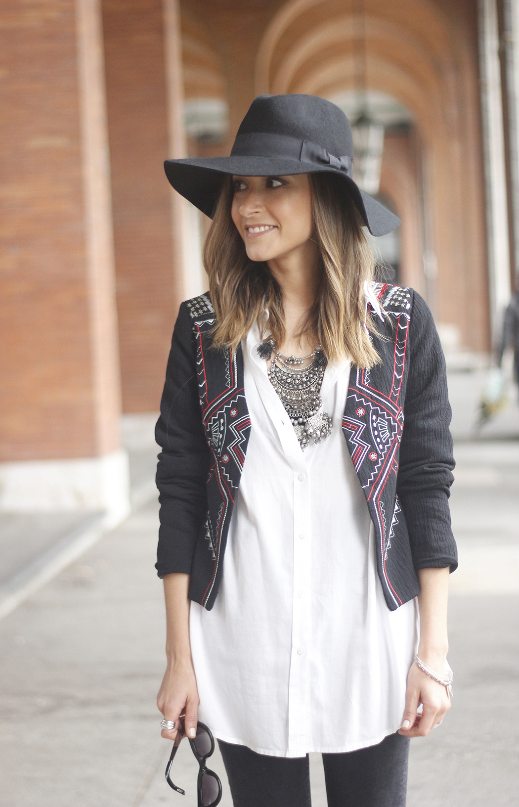 embroidered jacket black ripped jeans hat parfois red shoes outfit09