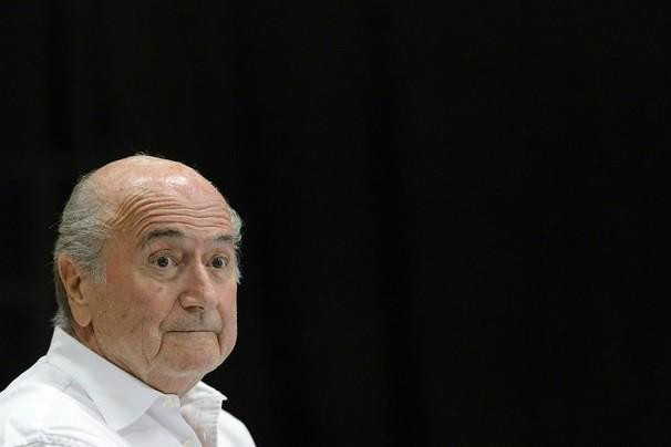 Dan de alta a Blatter tras crisis nerviosa por estrés