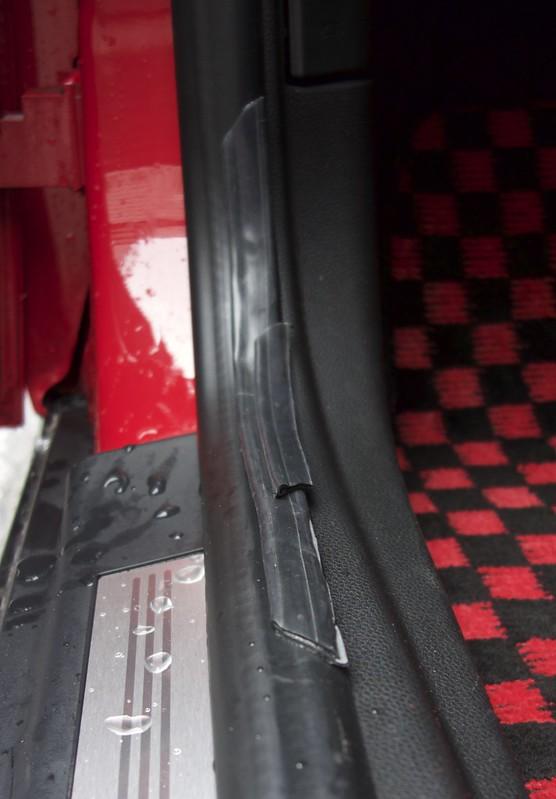 Mini R57 ドア 雨漏り