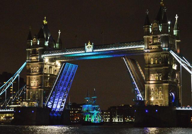 Phoenix (2) @ Tower Bridge 30-11-15