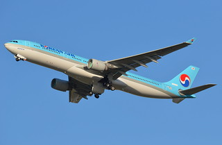 A.330-300 KOREAN AIRLINES F-WWKO 1647 TO HL8027 GO AROUND 20 08 15 TLS