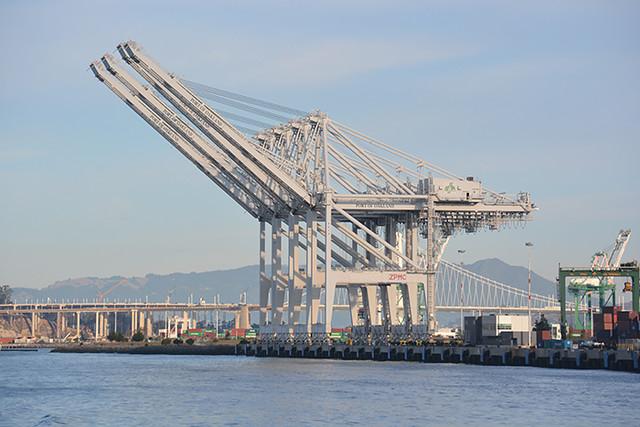 Oakland gantry cranes