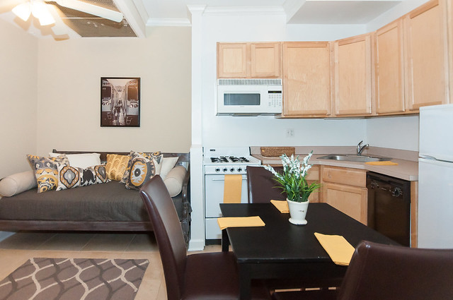Chicago Apartment Rental Bjb Properties 517 W Oakdale