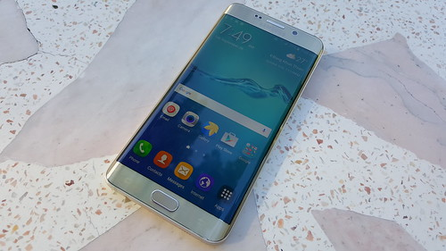 Samsung Galaxy S6 edge+ ด้านหน้า