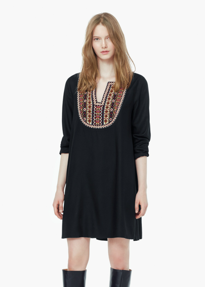 EMBROIDERED PANEL DRESS2 45,99e