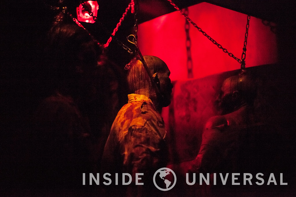 The Walking Dead: Wolves Not Far – Halloween Horror Nights 2015 at Universal Studios Hollywood