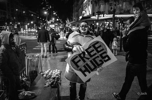 Opération Free Hugs