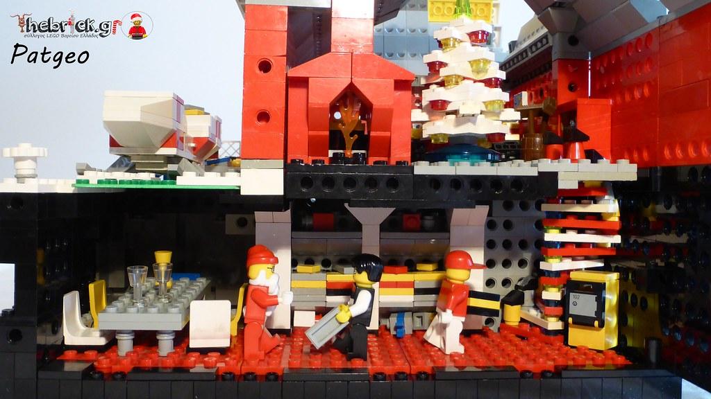 """[BuildtheBrick #2]: """"Santa's Workshop"""" 23551221191_3a8653cee6_b"""