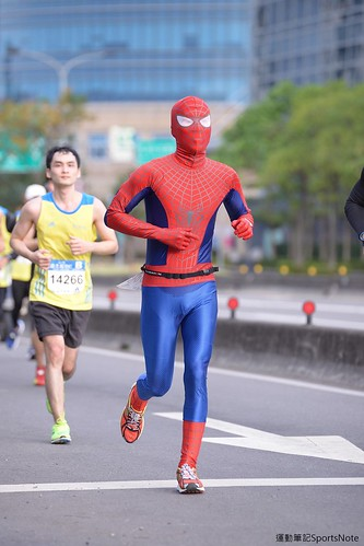 Spiderman in Taipei Marathon (7)