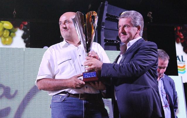 Rutigliano- Sagra dell'uva- vincitori dei concorsi-Consegna premio il sindaco Roberto Romagno