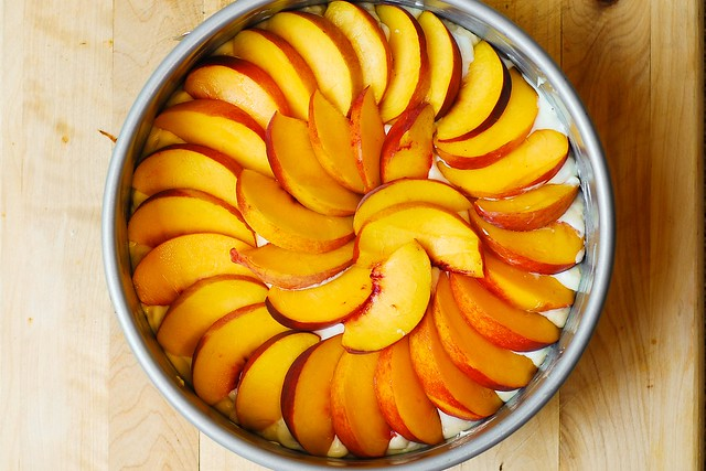 how to make cream cheese cake, peaches with cream cheese