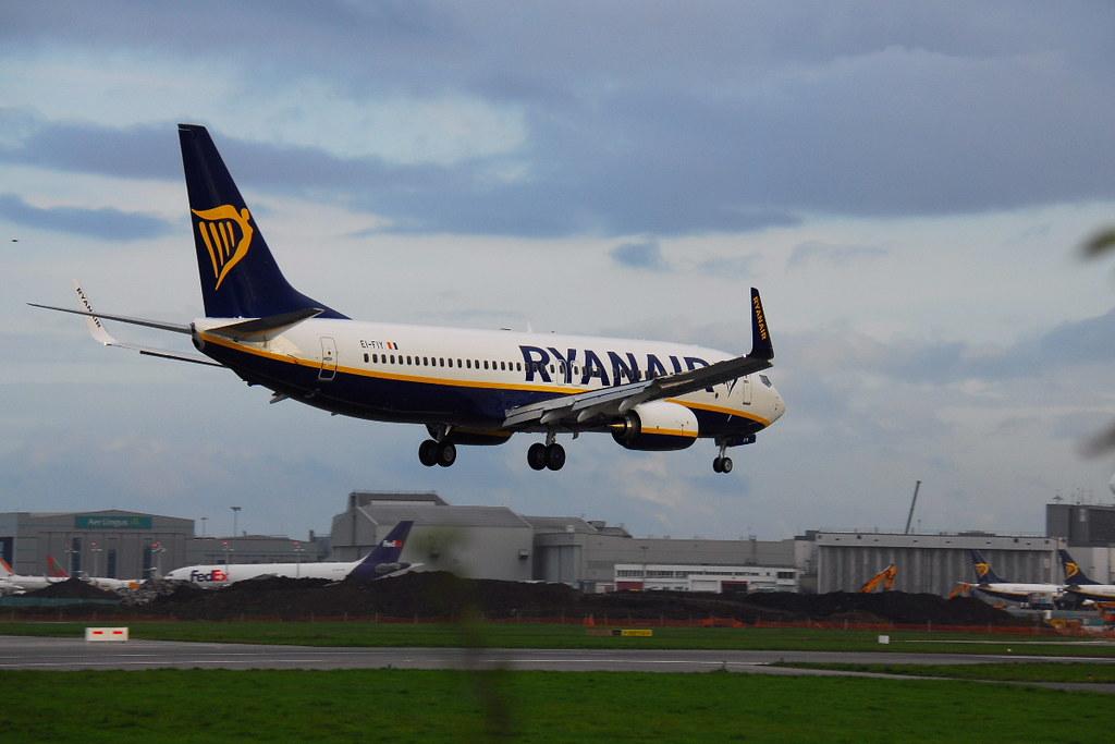 EI-FIY - B738 - Ryanair