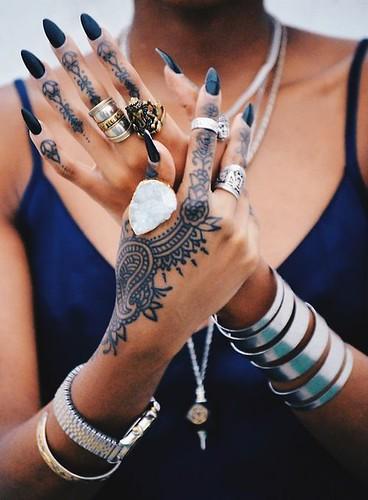 hand-tattoo1