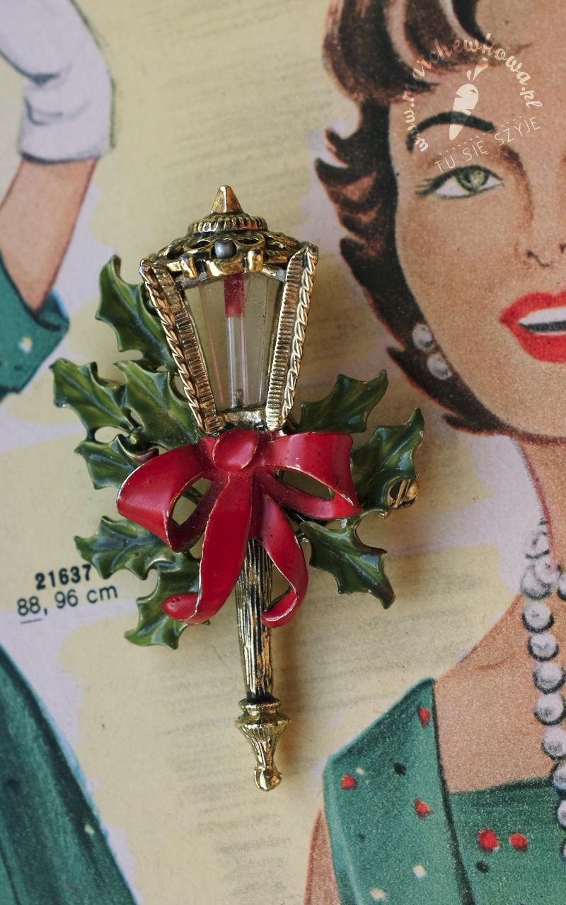 marchewkowa, blog, szycie, krawiectwo, pracownia marchewkowej, tu się szyje, wrocław, retro, vintage, style, fashion, moda, bożonarodzeniowa broszka, christmas brooch, latarenka, latarnia, Hollycfart, lantern, 50s, 60s, moda na broszki