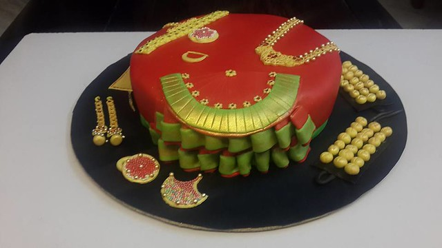 Bharatnatyam Style Saree Cake with Traditional Jewellery by Varsha Bhargava of Neighbourhood Bakers