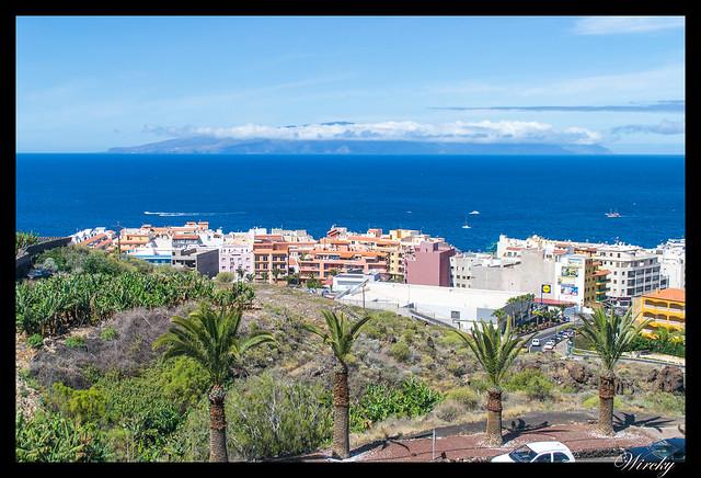 Tenerife Santiago del Teide acantilados los Gigantes Vilaflor - Puerto de Santiago con isla de La Gomera