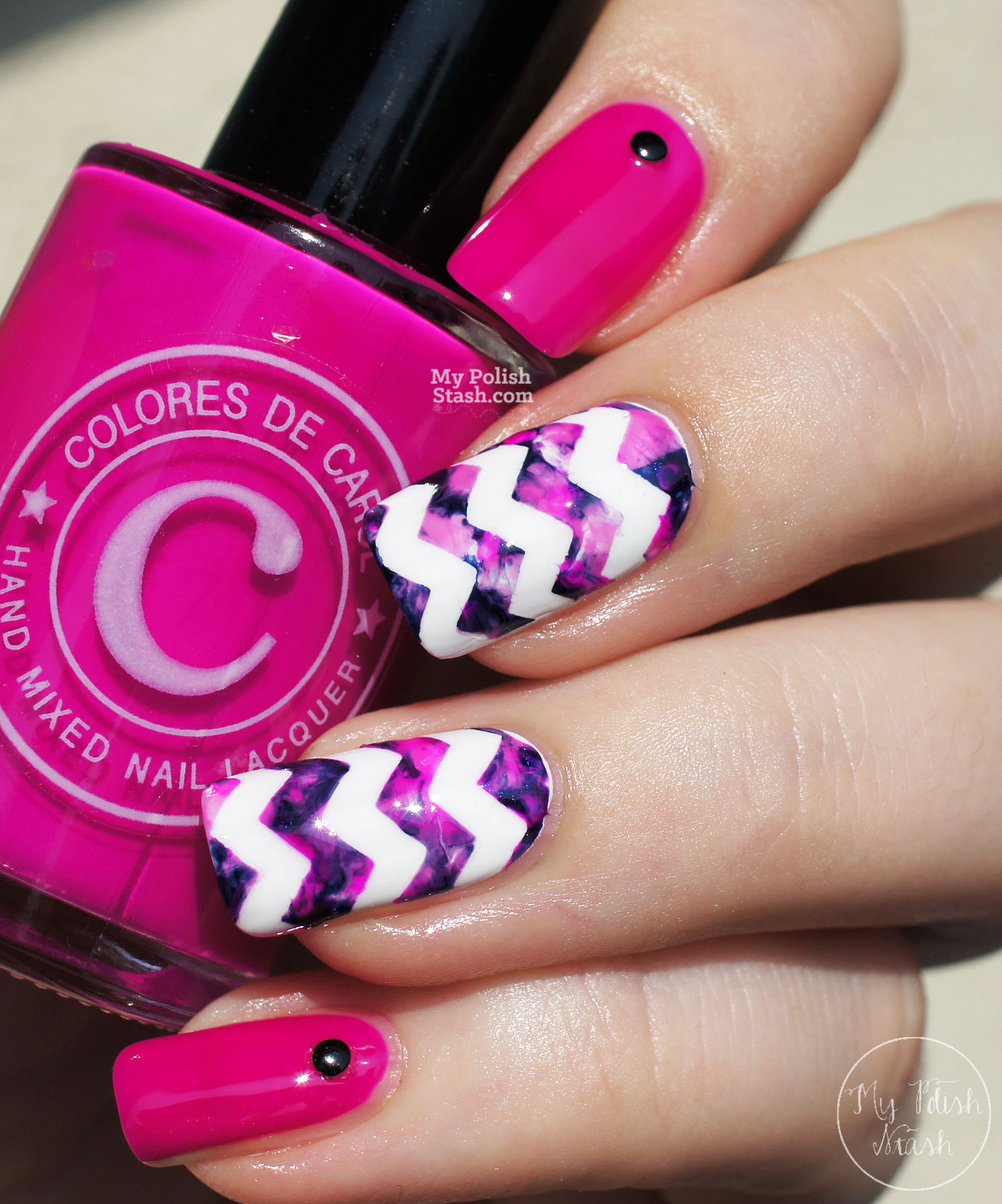 magenta-navy-marbled-chevron-nails-1