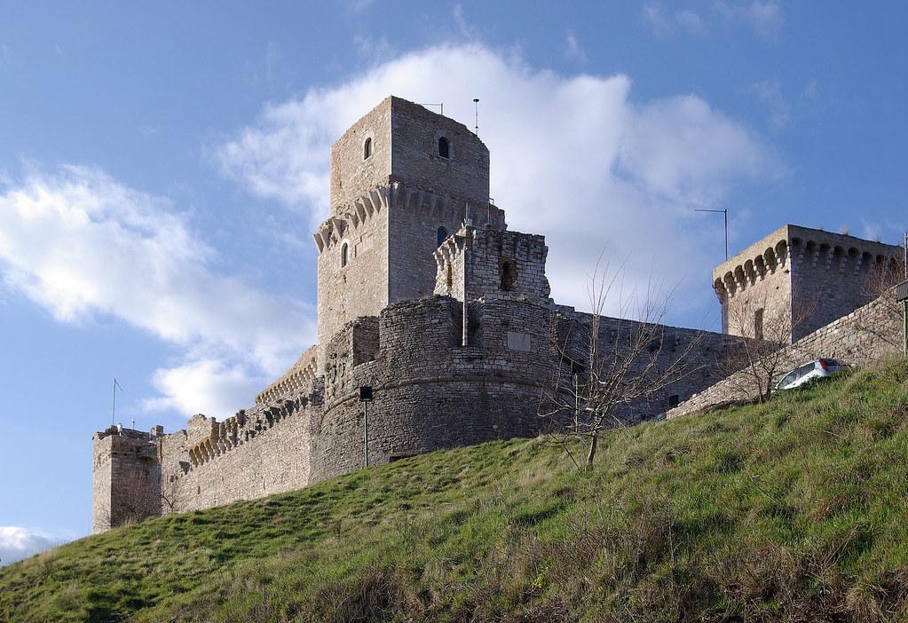 Assisi_Rocca_Maggiore_BW_1a