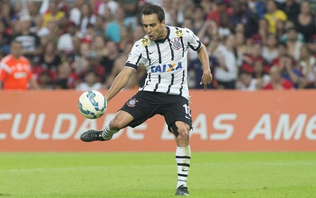 Tite garante que Jadson est� feliz no Corinthians