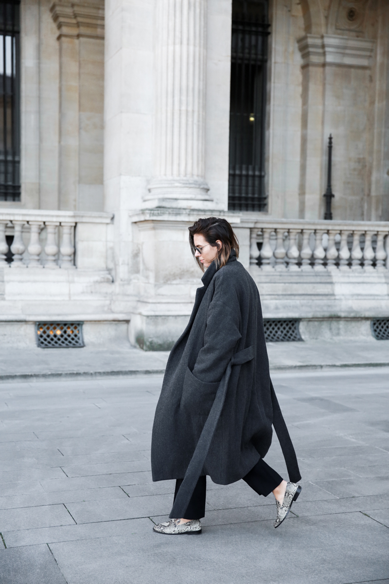 MATCHES x MODERN LEGACY RAEY new season layers Paris fashion week street style cocoon coat loafers (1 of 1)