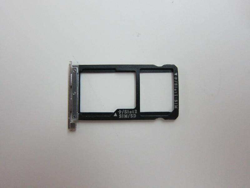 ZTE Axon Elite - SIM Tray