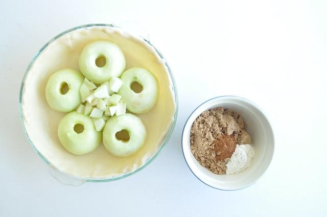 10-Minute Ring Apple Pie