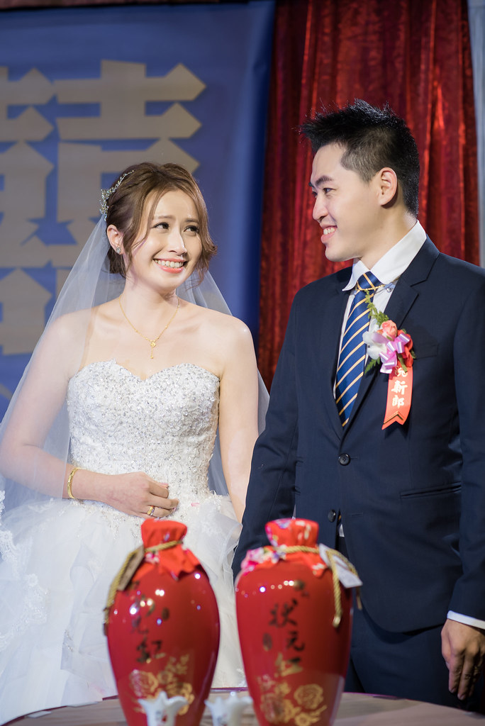 [葉子婚攝團隊]婚攝阿德0938350385 婚攝阿德 https://www.dearvision.co/ 檔期詢問;https://docs.google.com/forms/d/1uHm6CoercPpKfLZl4VEWM-IMYNTed0mbsjrt_KDDKdY/viewform?usp=send_form mail:me2a46@yahoo.com.tw