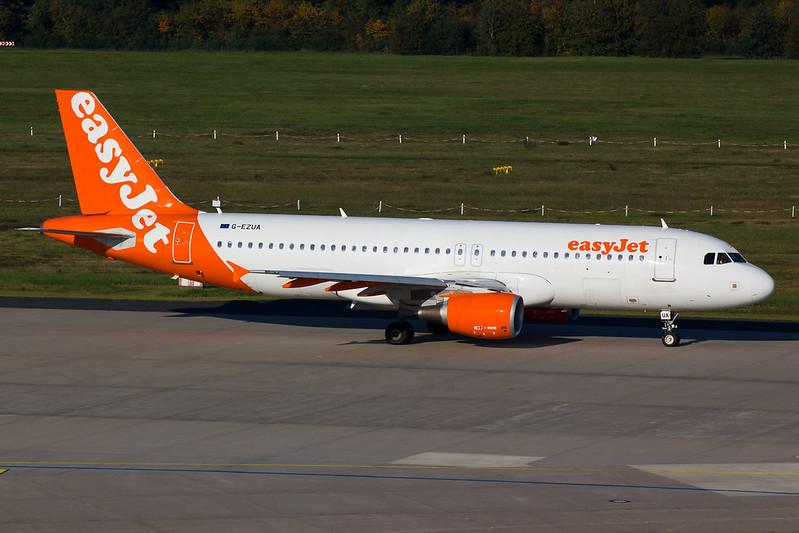 Easyjet - A320 - G-EZUA (1)