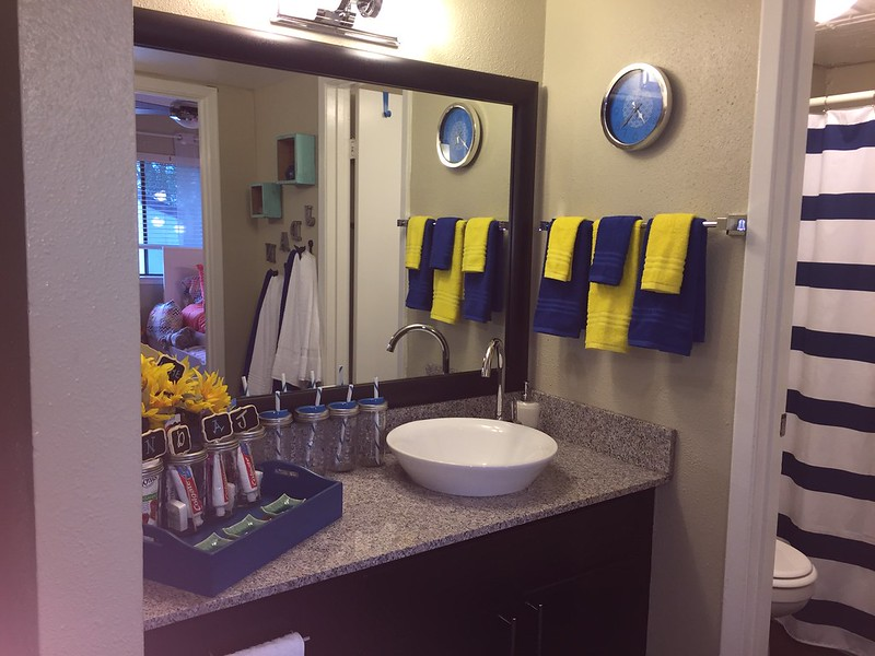 Elves in Disguise 2015: Bathroom vanity