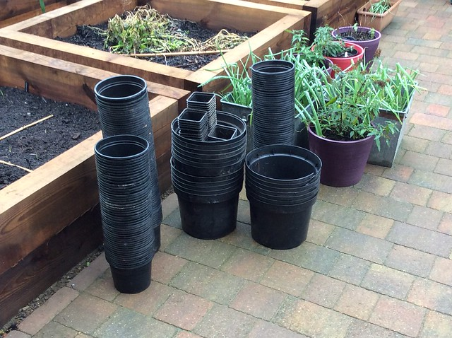Recycling plastic plant pots. Tips on recycling plastic plant pots for gardeners