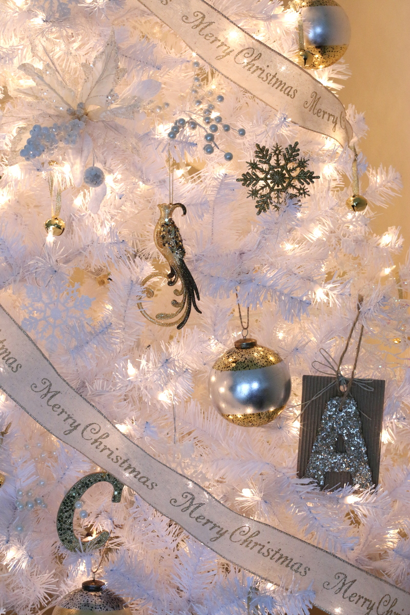 silver-gold-christmas-ornaments-3