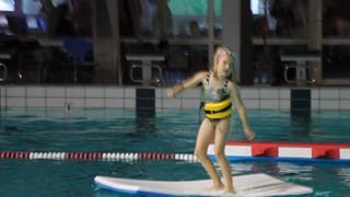 IMG_EOS1100D_031495 pige danser på plade og forhindringsbane