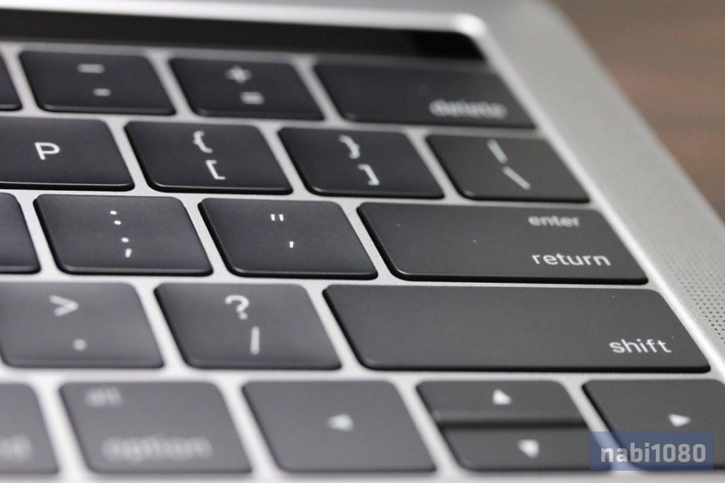 13インチ MacBook Pro23