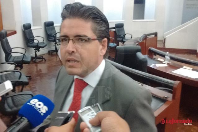 Ayuntamiento incumplió decreto del Congreso para el cambio de luminarias