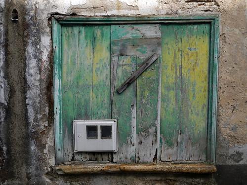 Green shuttered window in in Mondoñedo
