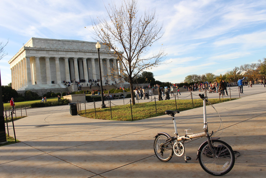 Foldy bike at the Lincoln Memorial