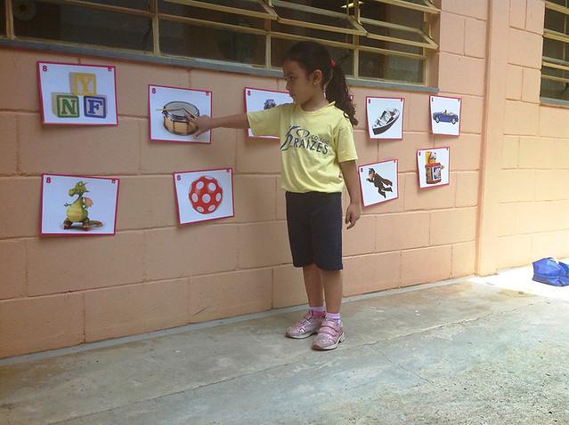 Bilíngue: descobrindo os brinquedos - unidade da serra