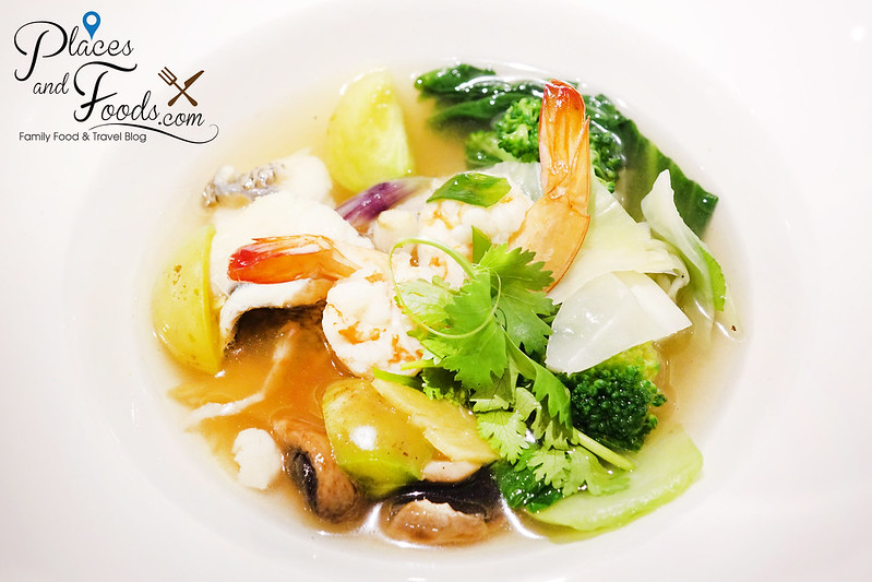 asian food channel wonder indonesia flavours dinner Batam Fish Soup