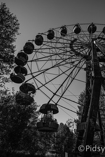 Ferris wheel in black and white 2