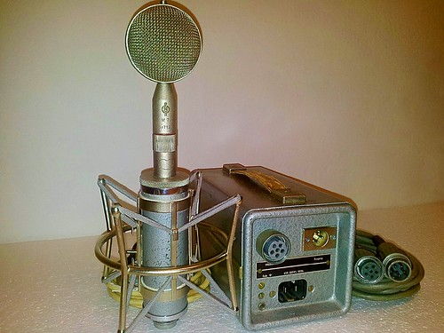 "Neumann - Geffel CMV-563 (EC92) Tube Microphone with an M7 cardioid ""lollipop"" style Interchangeable ""Bayonet Mount"" Capsule Head."