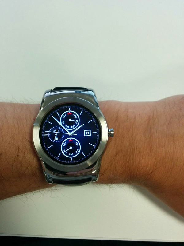 LG Urbane, Android Wear