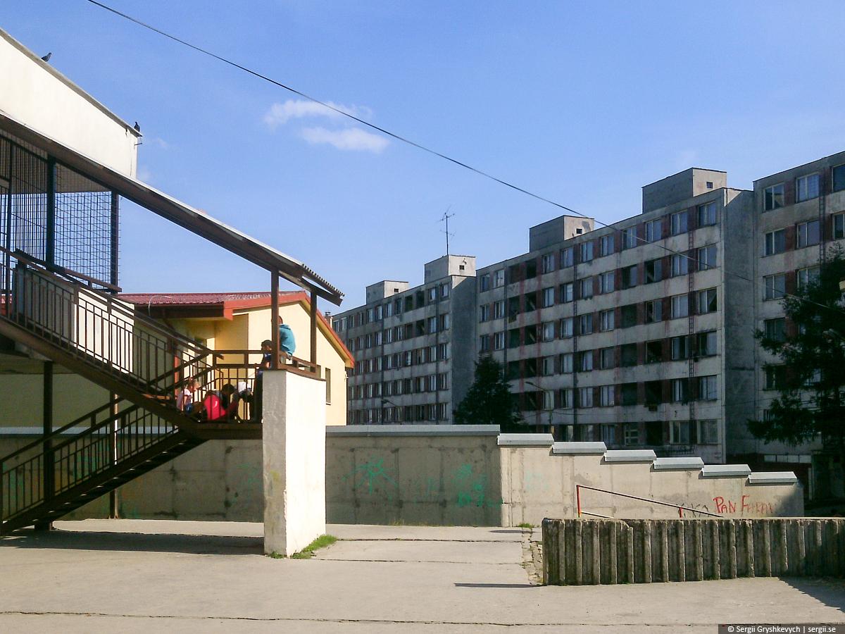 Kosice_Gypsy_Ghetto_Lunik_IX-19