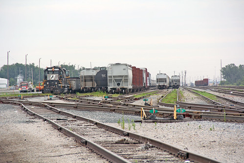 railroadtracks norfolksouthern bellevueohio railroadyards norfolksoutherntrains norfolksoutherninbellevueohio