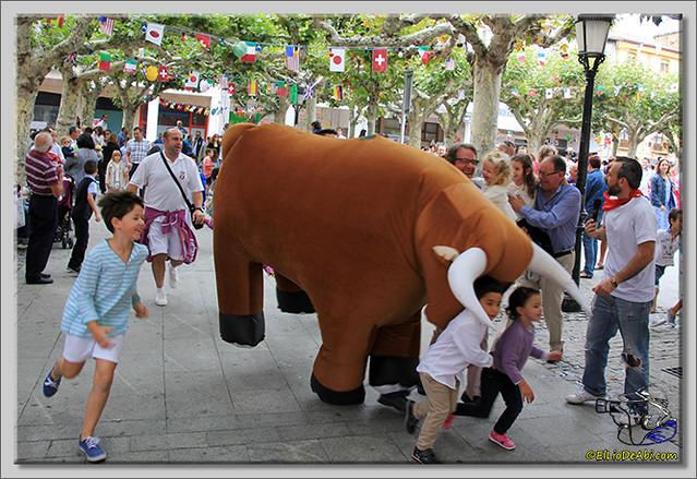 Briviesca en Fiestas 2.015 Segundo encierro Sopas de ajo y encierro infantil (21)