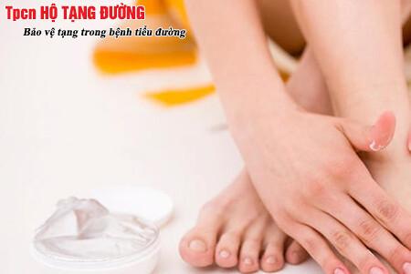 Giữ ẩm cho da ở người bệnh tiểu đường