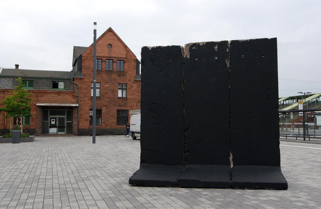 3Steps   REFLEXION - Berliner Mauer   Giessen Black Monday 2015
