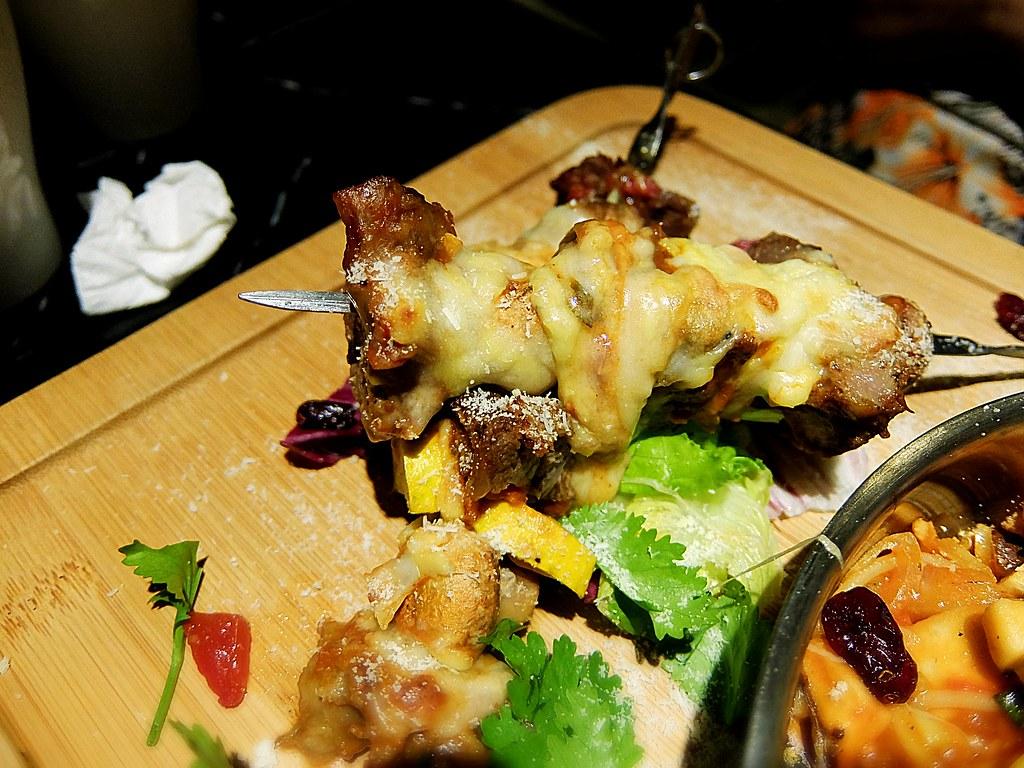 二串串燒牛肉