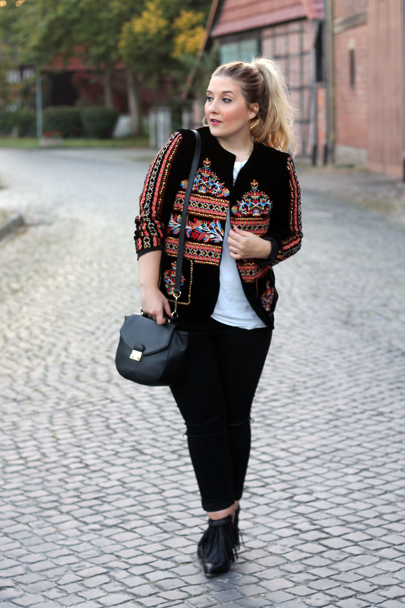 zara-jacke-folklore-trend-modeblog-fashionblog-top-deutschland-berlin