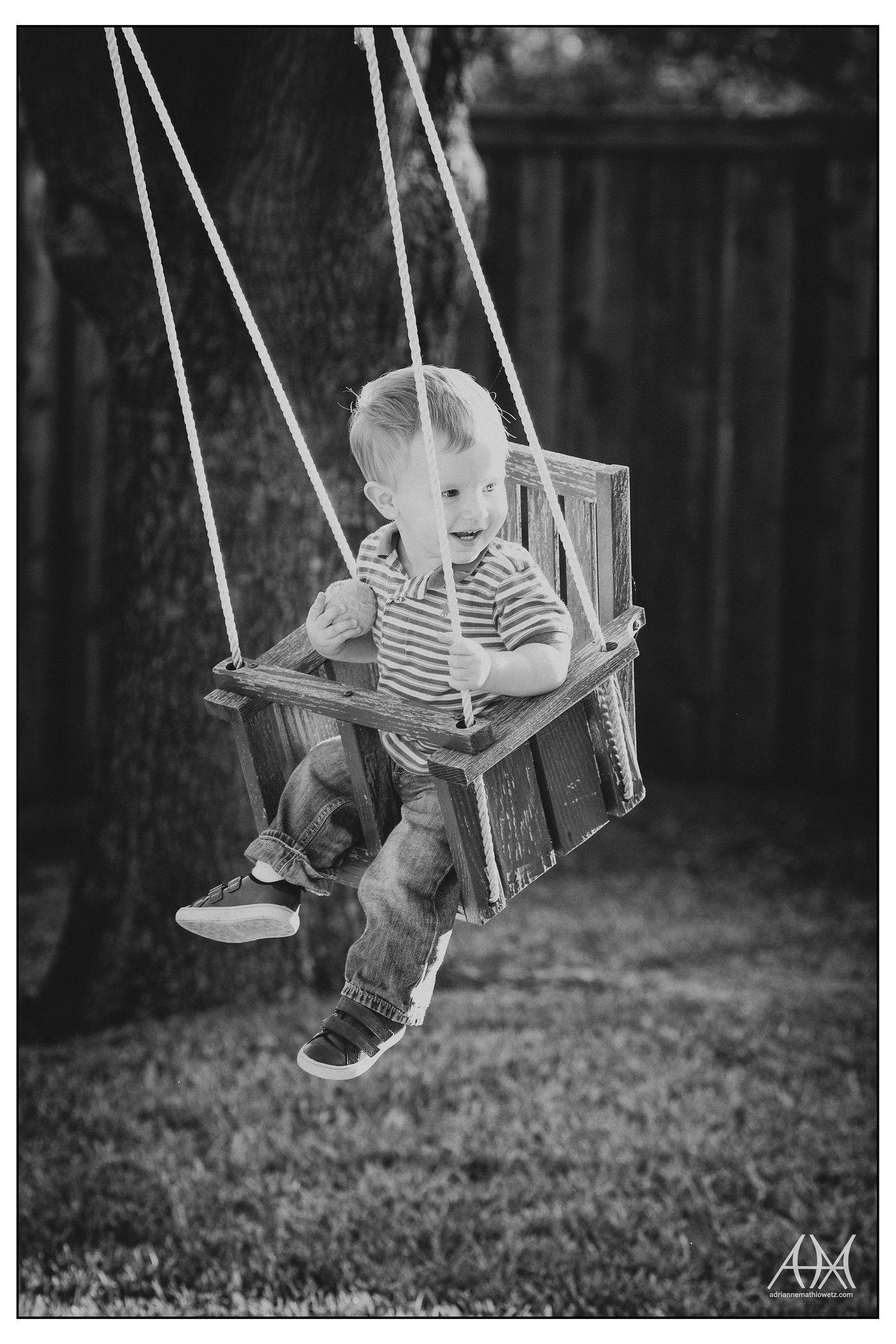 Henry in swing (bw)